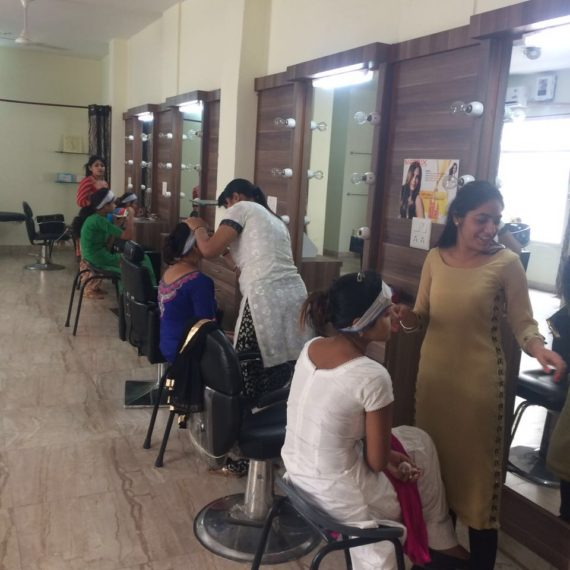 Workshop on makeup techniques held at KNCW